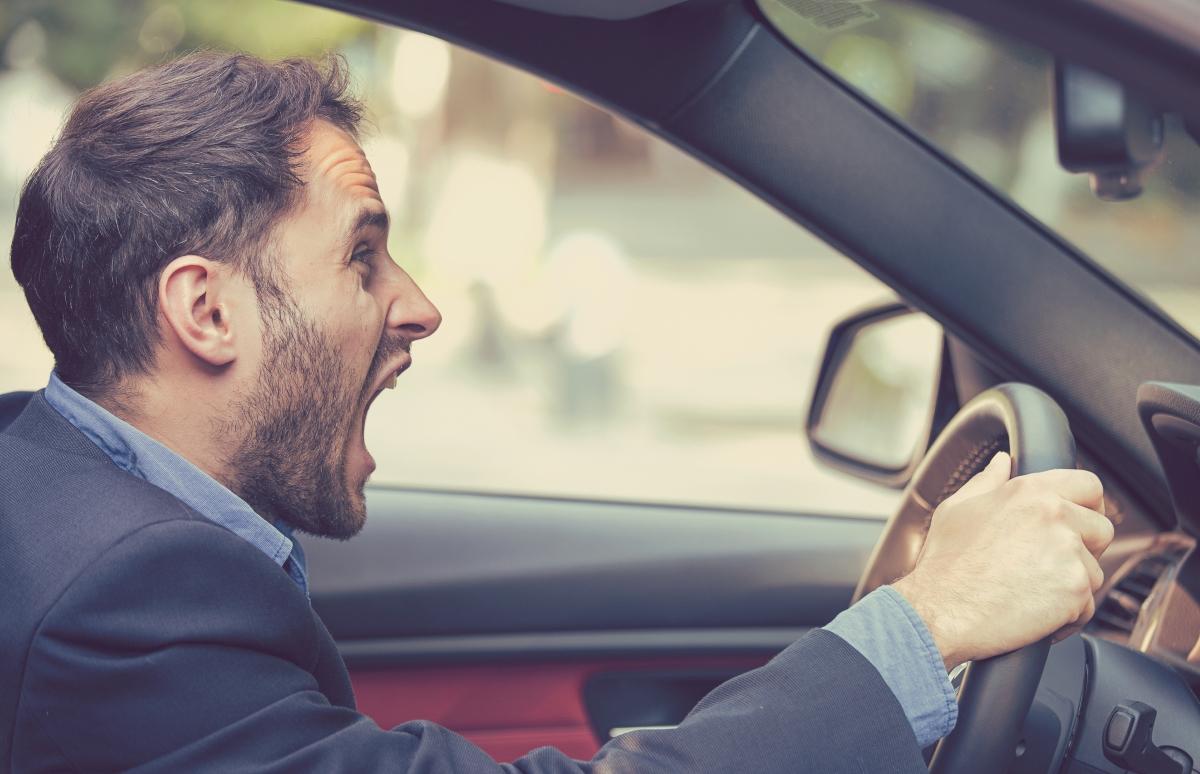 Скорпион - това са може би най-драматичните шофьори. Никой не може да кара по-добре от тях... И трябва да го чуе до девето коляно. Справят се със самото шофиране, но не и с гнева.