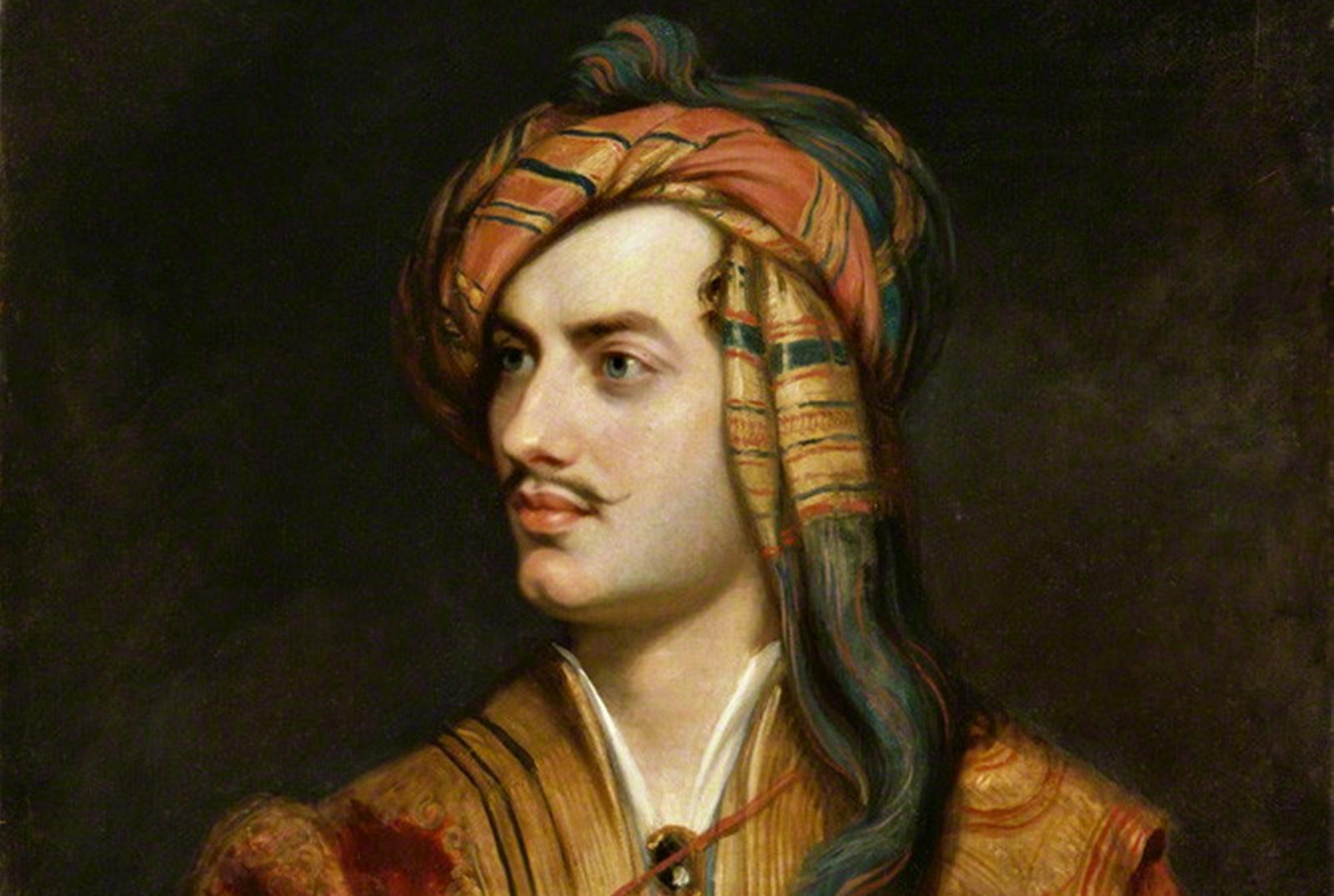 """Джордж Байрон<br /> Джордж Гордън Байрон, по-известен като Лорд Байрон, е син на на капитан Джон, известен като """"Лудия Джо"""" Байрон и втората му съпруга Катрин Гордън, наследница на Гайт в Абърдийншър, Шотландия. Байрон успява да си спечели и да поддържа репутация на екстравагантен, меланхоличен, смел, необикновен, ексцентричен, претенциозени полемичен човек. Той публикува редица произведения, с които обижда други поети. Осиновява си домашен любимец мечка, след като получава забрана да притежава кучета на територията на Кеймбриджкия университет.<br />"""