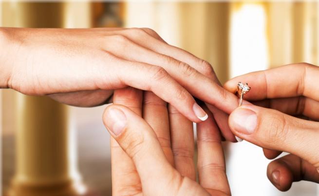 Актьор предложи на бившата си жена 3 години след развода им