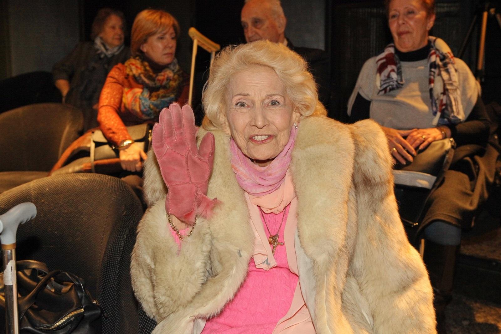 Росица Данаилова (1933-2018)<br /> На 84 години почина актрисата Росица Данаилова, сестра на Стефан Данаилов. Завършва актьорско майсторство във ВИТИЗ, а след това следва докторантура в Академията за театрално изкуство в Ленинград. Има над 150 роли в Театъра на армията, Сатиричния и Народния театър, в различни театри в Димитровград, Добрич, Бургас и Сливен. Участвала е във филми и телевизионни постановки.