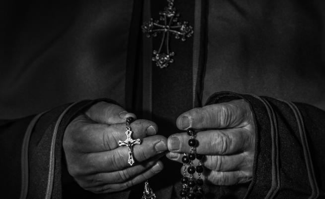 Посланикът на Ватикана извършил сексуално насилие в кметството на Париж