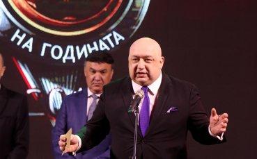 Министър Кралев с молба към всички млади и будни хора в България