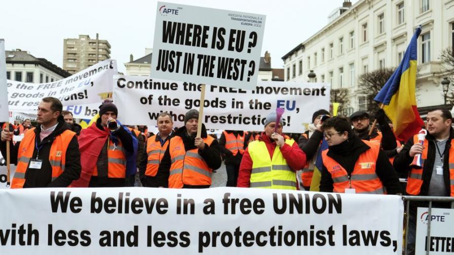 <p><strong>Български</strong>&nbsp;превозвачи на протест в Брюксел, Желязков: Изправени сме пред абсурд</p>