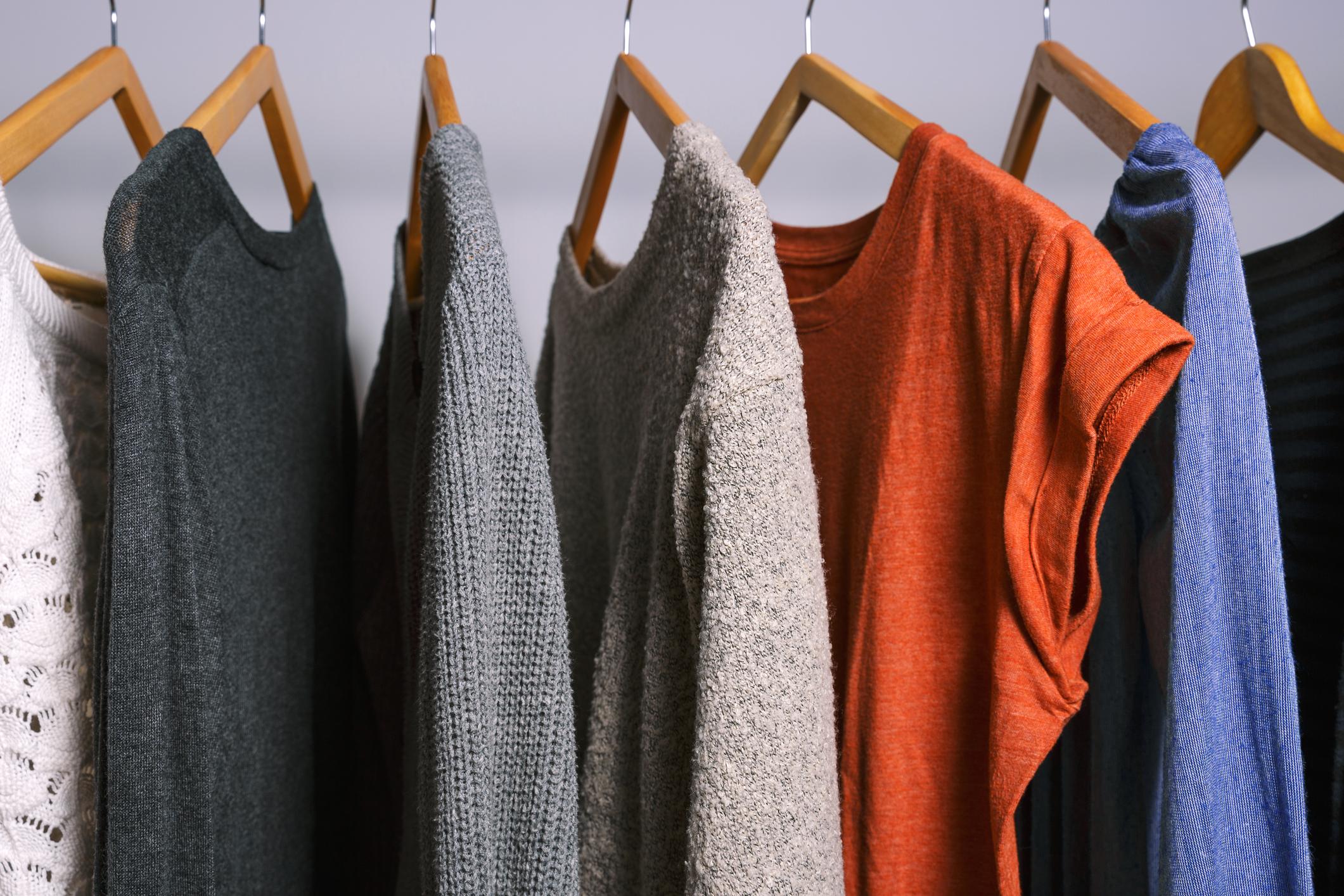 Стари закачалки, които по-скоро развалят дрехите.