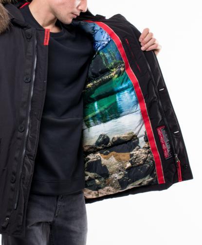Зимно яке, от което лъха на лято, за да ви топли, когато чакате тролей петица 40 минути.