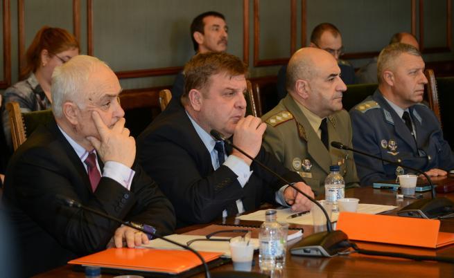 Комисията по отбрана подкрепи парламентът да възложи преговори за F-16