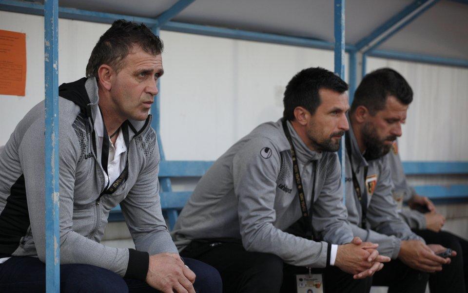 Акрапович: Дано да вземем играчи, които да заместят напусналите