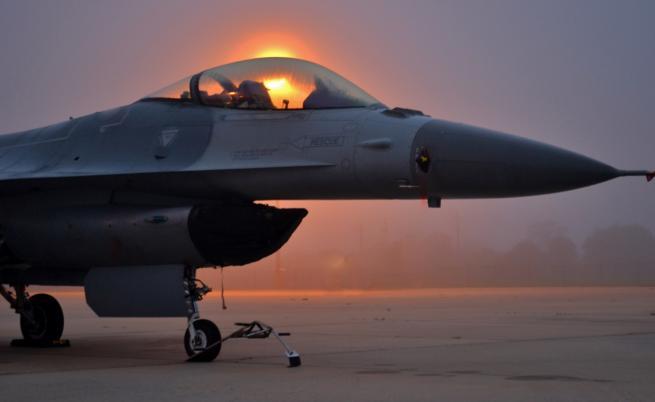 Сделката за F-16 влиза парламента