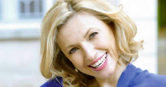 Снимка: Лилия Маравиля – edna прекрасна актриса на 50!