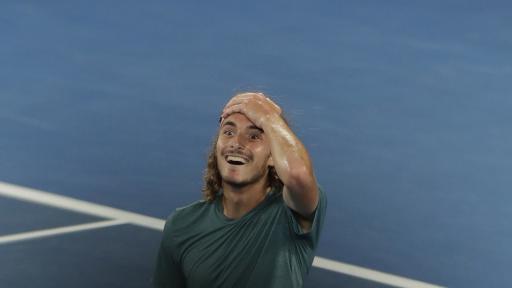 <p>20-годишен <strong>победи</strong> Роджър Федерер</p>