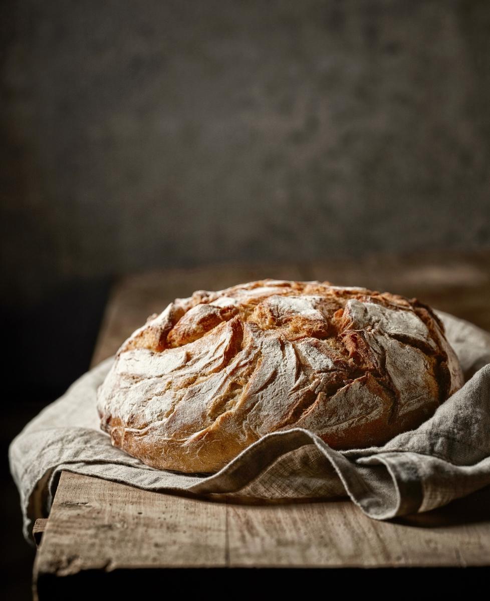 Хлябът не е изключен. В малки количества, можете да ядете пшеничен хляб.