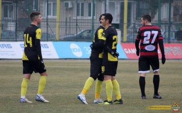 Ботев Пд тръгна за Анталия с 25 футболисти, 8 са юношите