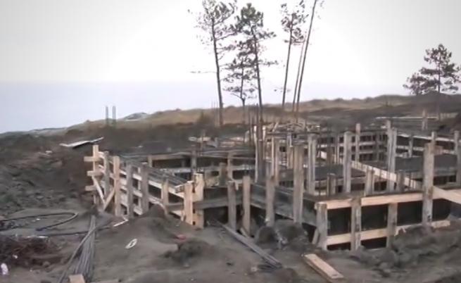 Спират скандалните строежи по морето