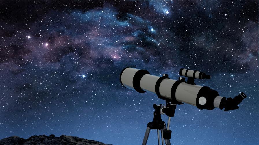 Момче преподава астрономия, за да сбъдне мечтата си