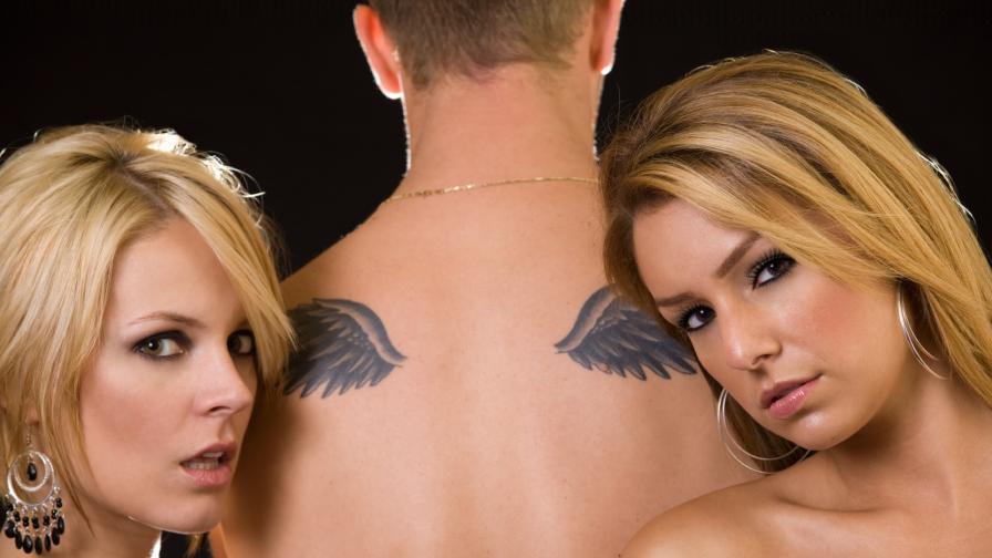 <p>Каква е връзката между <strong>татуировките и секса</strong></p>