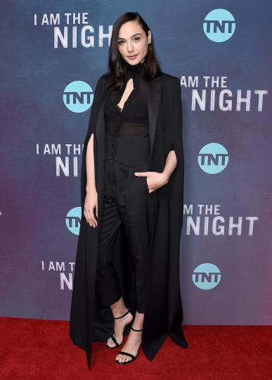 <p>Гал Гадот на премиерата на сериала&nbsp;&bdquo;Аз съм нощта&ldquo;</p>