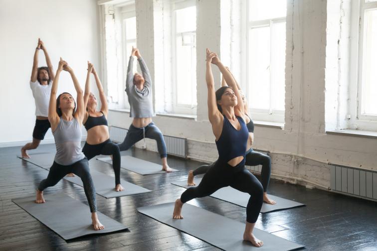 За всички жени, и особено след раждането, правете упражнения за тазовото дъно, понякога известни като упражнения на Кегел всеки ден, за да предотвратите инконтиненция (бел. ред. неволно изпускане на урина). Разнообразявайте програмата си, включете например йога един път седмично.