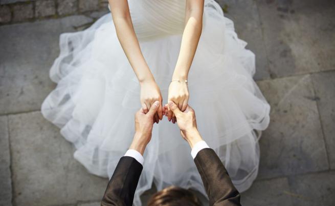 Младоженци се разведоха 3 минути след сватбата