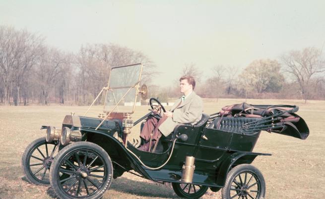 """Колата има прякор """"консервената Лизи"""", който се ражда по време на състезание през 1922 г. Състезателят Ноел Бълок нарича колата си """"старата Лиз"""", но тъй като тя не е боядисана, феновете я сравняват с консерва и я прекръстват на """"консвервената Лизи""""."""
