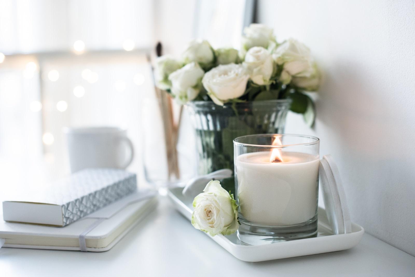 Уханието в дома: Прекалено наситеният аромат на свещи или ароматизатор е отблъскващ, смятат специалистите. Освен това създава усещането, че домакините искат да скрият нещо.