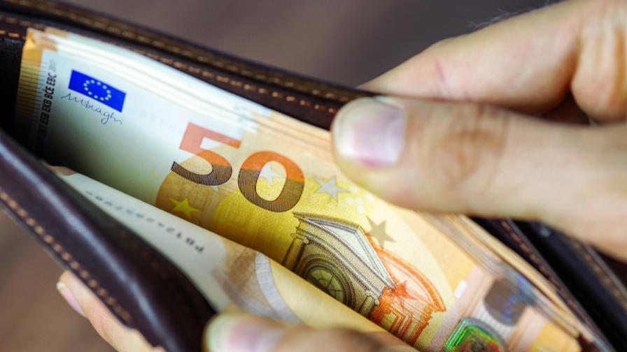 <p>Безусловен доход в Германия, кои отговори няма да научим</p>