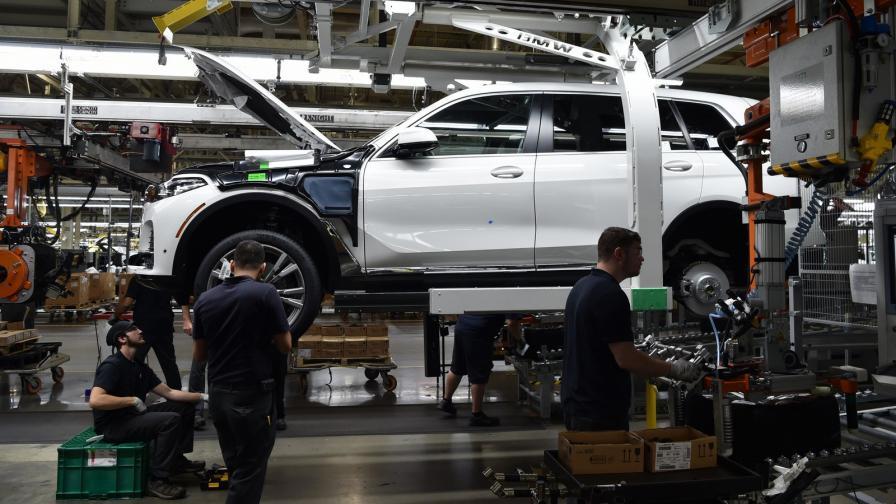 Германските автомобили са заплаха за националната сигурност на САЩ