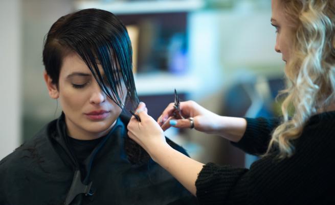 Актрисата Диана Димитрова отряза косите си