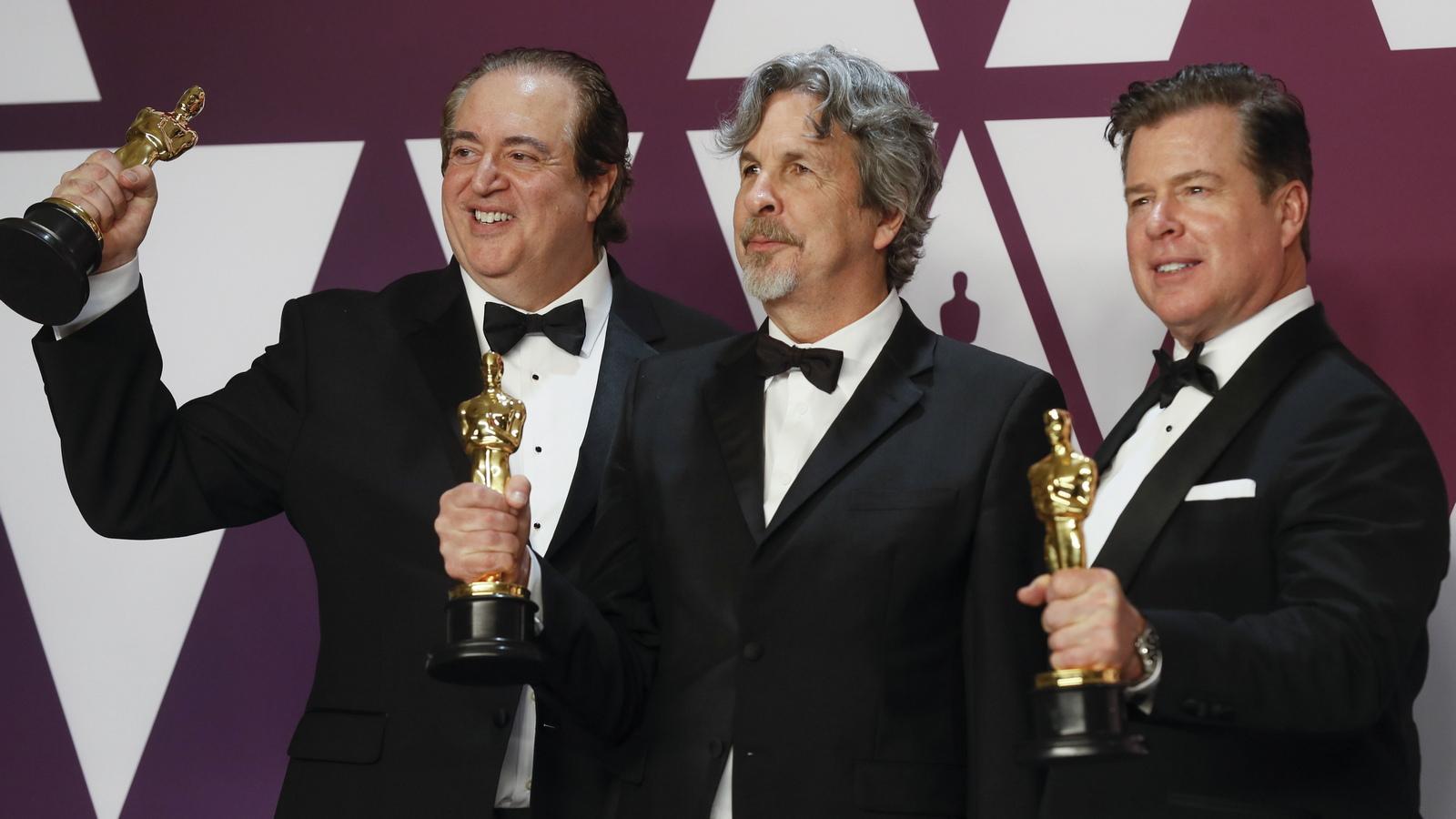 """За най-добър оригинален сценарий бе отличен Ник Валалонга, Брайън Къри и Питър Фарели за филма """"Зелената книга"""""""