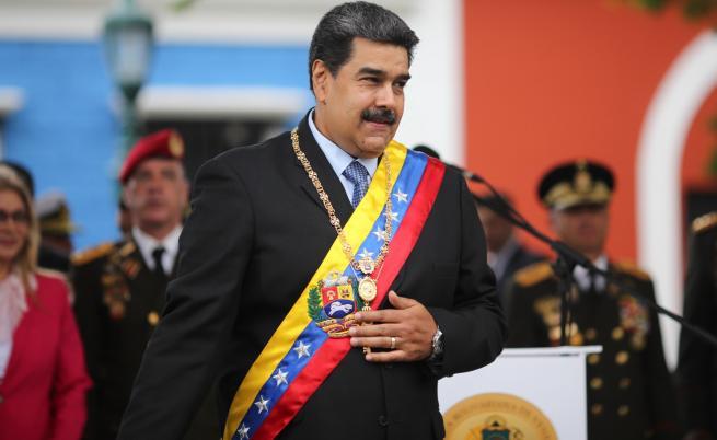Показаха на Мадуро беден венецуелец, той депортира журналисти
