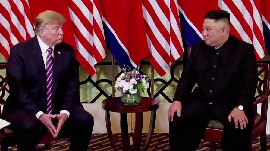 Доналд Тръмп и Ким Чен-ун