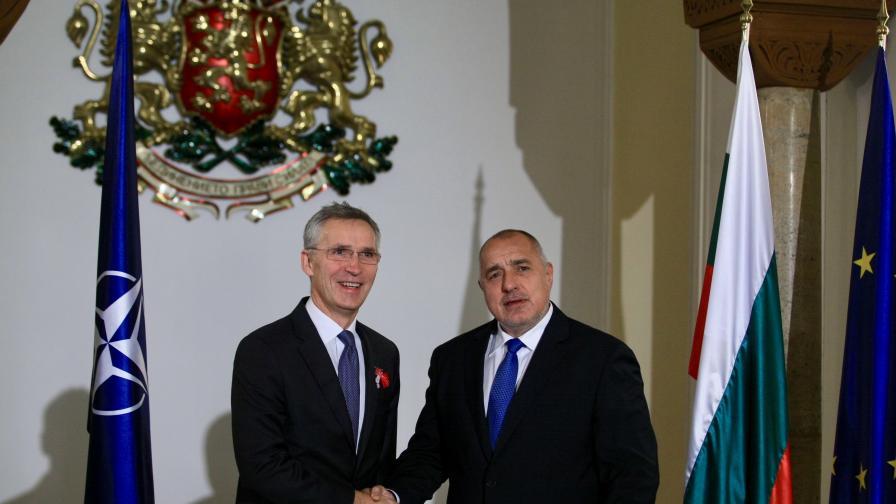 <p>Борисов пред шефа на НАТО: Не сме троянския кон на Русия</p>