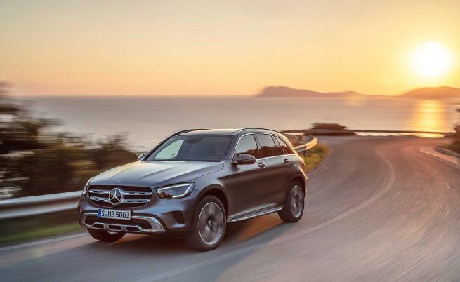 Нови двигатели и технологии за обновения Mercedes GLC-Class