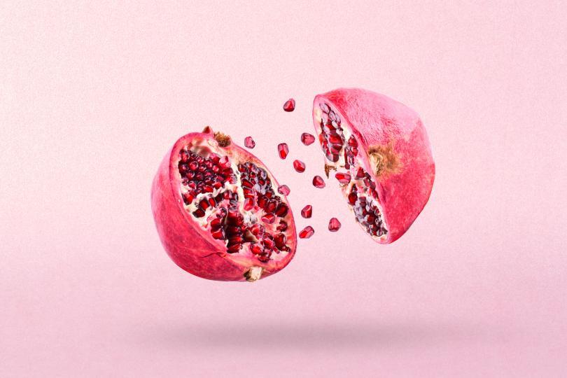 <p>Нар</p>  <p>Най-обичания плод от диетолозите в последно време. Богат на полифеноли, нарът е новото супероръжие срещу рак.</p>  <p>Ако беленето на нар не ви е любимото занимание, можете да го консумирате под формата на сок.</p>