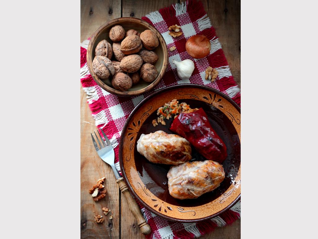 Ева Тонева е български кулинарен фотограф. Тя е посочена за четвъртата най-добра в своята област от американско издание. Самата тя пояснява, че тайната на успеха е смесица от това да се трудиш, да носиш хармония в себе си и да правиш това, което обичаш с цялото си сърце.
