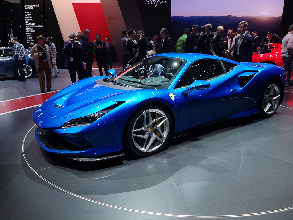 """Днес се откри 89-ото издание на Автомобилен салон Женева. Акцентите бяха два: електрификация и забавления за богатите. Представяме ви някои от най-впечатляващите супер спортни автомобили, дебютирали днес в """"Палекспо"""". Наш екип отрази събитието."""