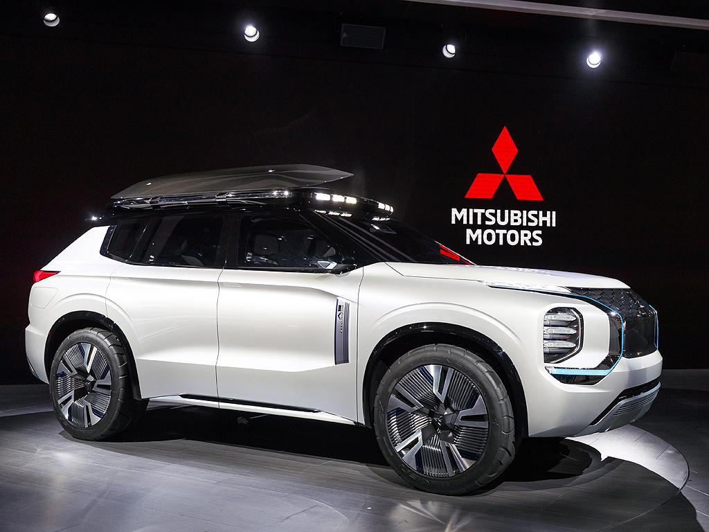 Mitsubishi Motors Engelberg Tourer