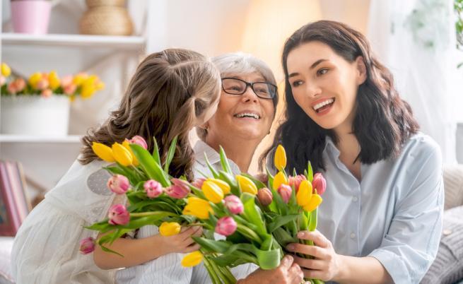 Къде да заведете мама на 8 март. Три предложения