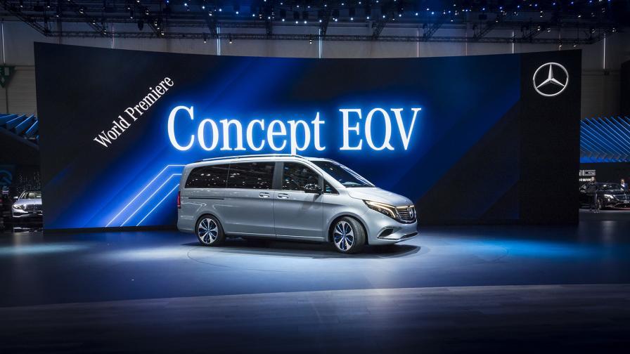 На салона във Франкфурт през есента ще видим този Mercedes-Benz EQV Concept в сериен вариант, предлагаш над 400 км по WLTP пробег на ток.