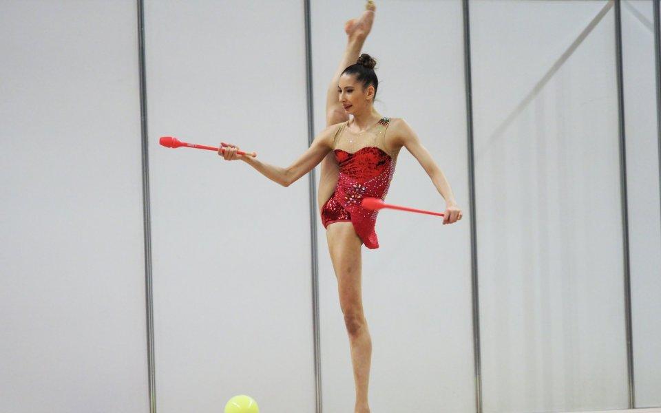 Български гимнастички се включиха в първенството на Франция