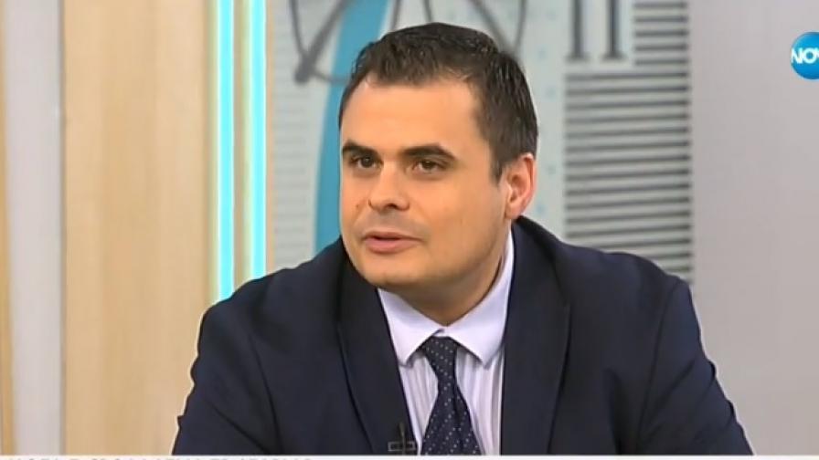 Заместник-министърът на образованието Петър Николов-Зиков