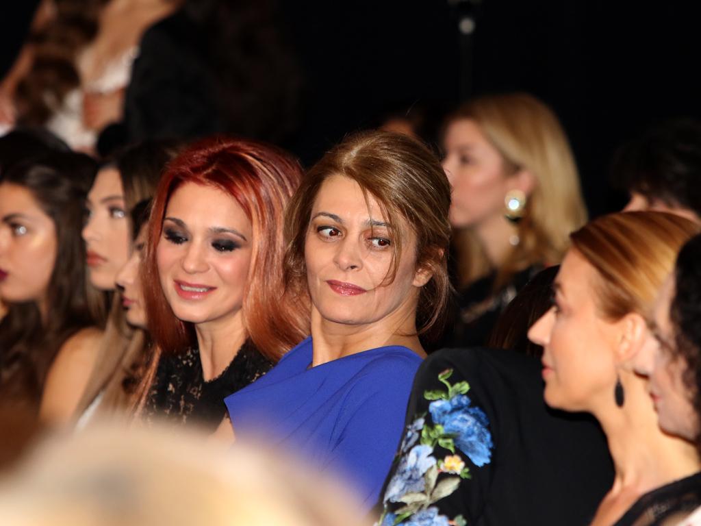 Множество известни личности уважиха модното събитие, сред които модни критици, журналисти и политици.