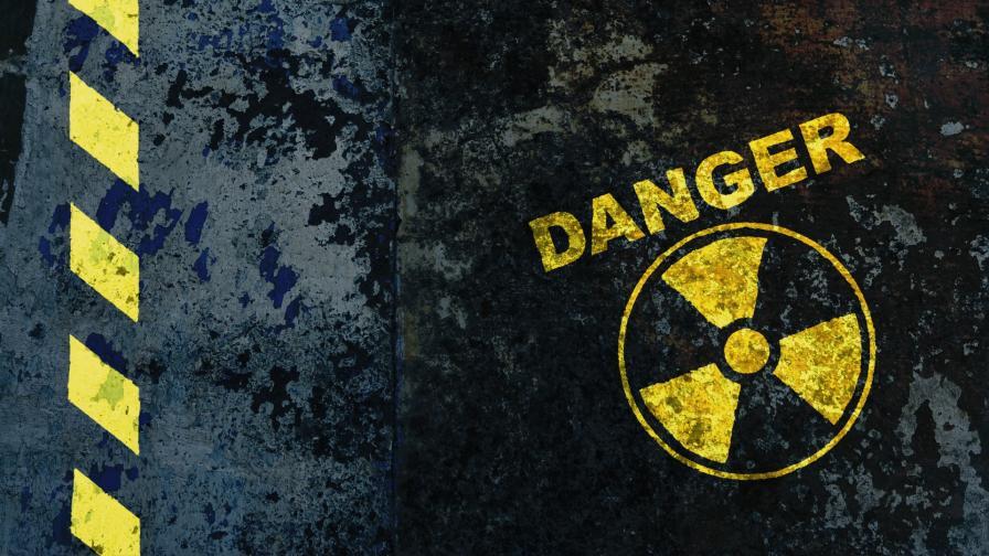 <p>Правят оглед на контейнера с радиоактивни отпадъци във Варна</p>