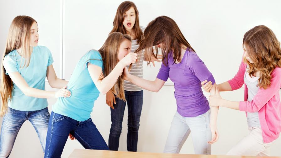 <p>Възпитателят, удрял ученичка: Беше нещо кошмарно</p>