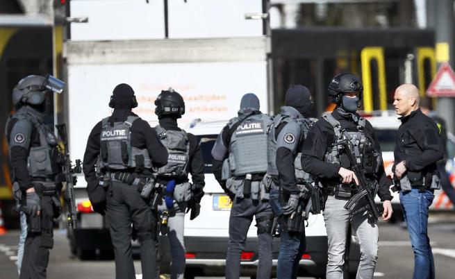 Стрелба в Утрехт взе жертви, арестуваха заподозрян