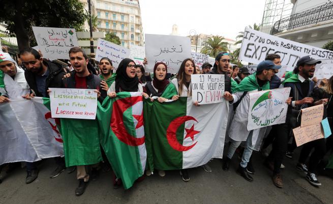 Русия предупреди: Не се намесвайте в Алжир!