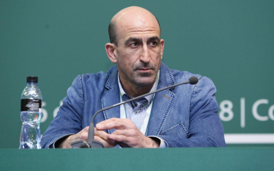 Вицепрезидентът на БФС Йордан Лечков говори пред медиите в Бояна