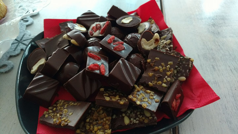 <p><strong>Може да имате по-малко киселини</strong></p>  <p>Шоколадът е храна, която може да отпусне област от храносмилателната система, позволявайки на киселината да навлезе в хранопровода и да накара човек да почувства това, което е известно като киселини или киселинен рефлукс.</p>