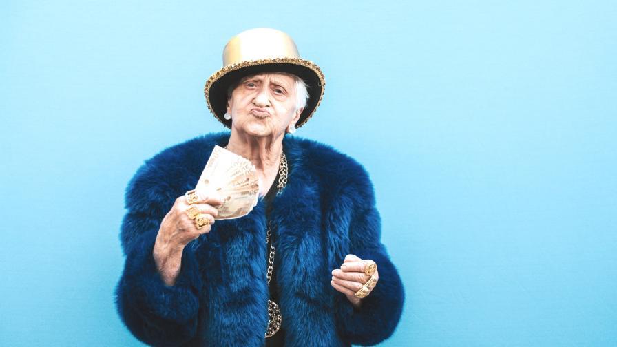 <p>&nbsp;104-годишна жена пожела да бъде... <strong>арестувана</strong> (СНИМКИ)</p>