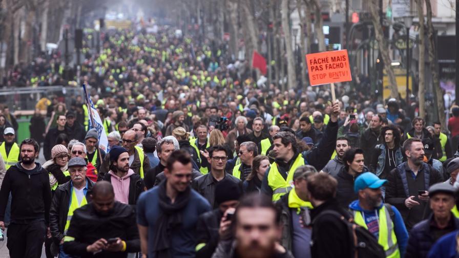 <p><strong>Арести в Париж.</strong> Демонстранти опитаха да&nbsp;стигнат до &quot;Шанз Елизе&quot;</p>