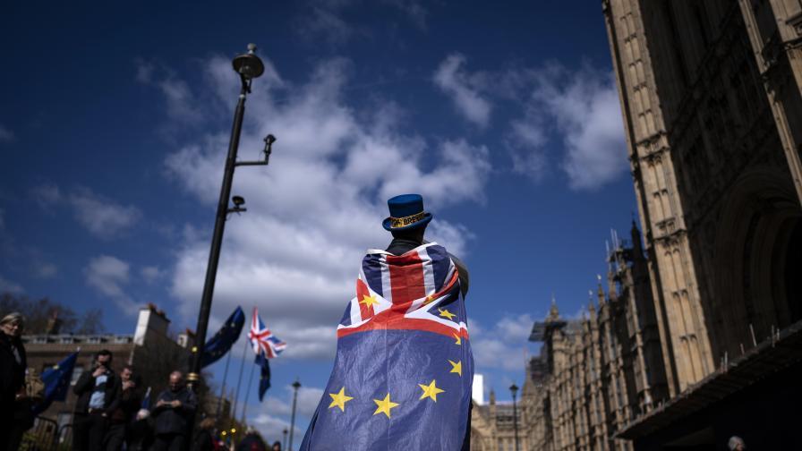<p>Британският парламент ще обсъди в сряда отлагането на Брекзит</p>